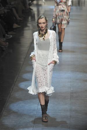 Показ Dolce & Gabbana коллекции сезона Весна-лето 2010 года Prêt-à-porter - www.elle.ru - Подиум - фото 117872