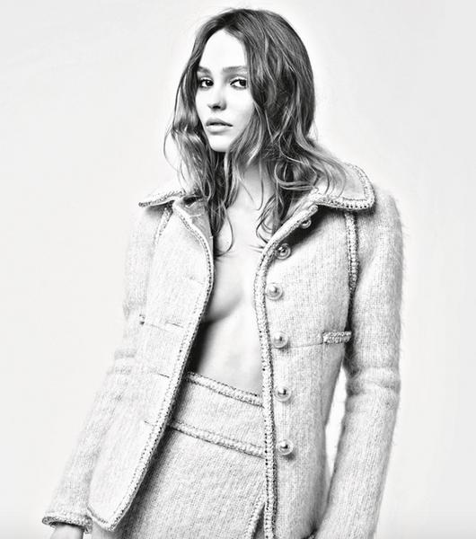Кара Делевинь и Лили Роуз Депп представили осенне-зимнюю коллекцию Chanel | галерея [1] фото [1]