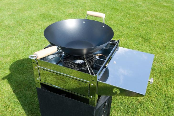 Садовый газовый гриль Blitzgrill и съемная конфорка Wok-application для сковороды вок, Radius Design, www.radius-design.com