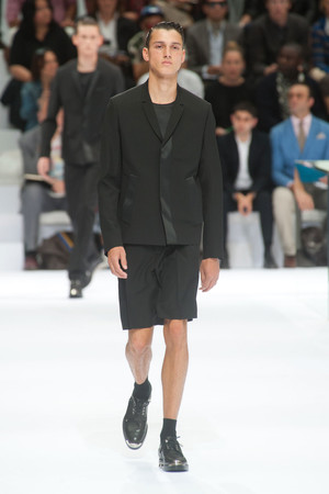 Показ Christian Dior коллекции сезона Весна-лето 2014 года Men prêt-à-porter - www.elle.ru - Подиум - фото 556726