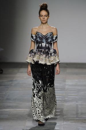 Показы мод Mary Katrantzou Осень-зима 2012-2013 | Подиум на ELLE - Подиум - фото 1552