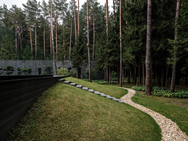 Современный дом  4500 м² с красивым садом на Новой Риге: проект бюро Woodstone (фото 27)