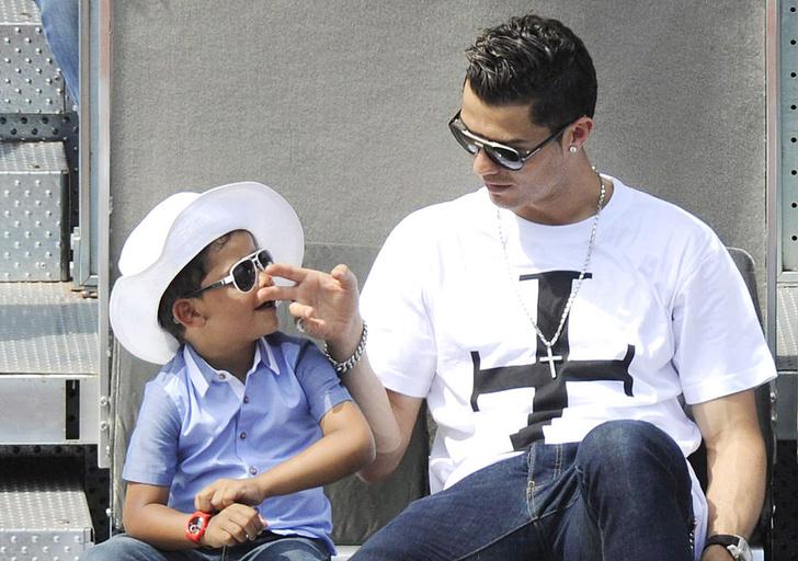 Роналду с сыном Криштианиньо