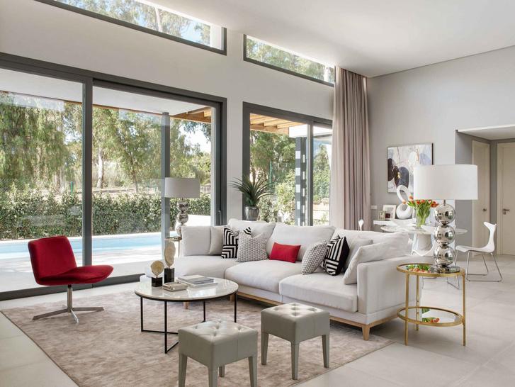 Дом с панорамными окнами в Испании 240 м² (фото 0)
