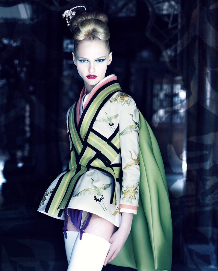 Патрик Демаршелье, 2007. Жакет модели Ko-Ko-San, коллекция haute couture весна – лето 2007.