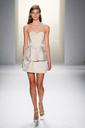 Показ Calvin Klein Collection коллекции сезона Весна-лето 2013 года prêt-à-porter - www.elle.ru - Подиум - фото 423615