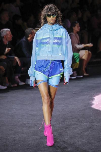 Показ Рианны на New York Fashion Week: как это было | галерея [1] фото [4]
