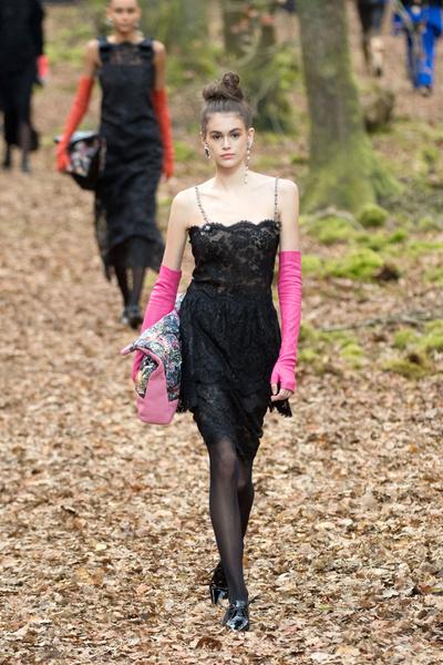 Осенний марафон: показ Chanel в Париже (галерея 3, фото 73)