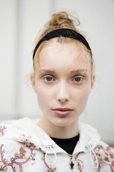 8 бьюти-трендов весна-лето 2018: волосы (галерея 15, фото 2)