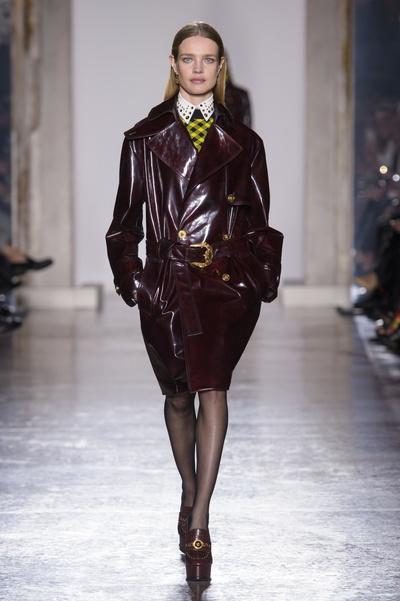 Наталья Водянова, Джиджи Хадид и Кайя Гербер на шоу Versace в Милане (галерея 1, фото 4)