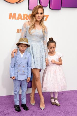 Дженнифер Лопес с сыном Максом и дочкой Эммой