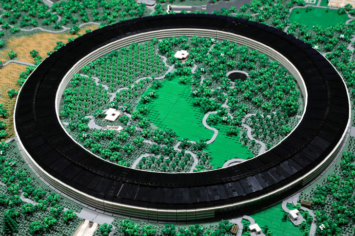 Lego Apple Park took its builder two years to complete (фото 0)