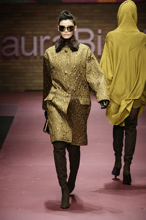 Показы мод Laura Biagiotti Осень-зима 2009-2010 | Подиум на ELLE - Подиум - фото 3163