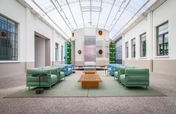 Новый дизайн штаб-квартиры Cassina от Патрисии Уркиолы (фото 0)