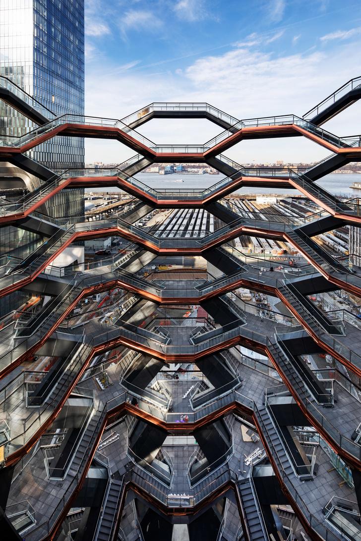 В Нью-Йорке открылась «эшеровская» башня Томаса Хизервика (фото 5)