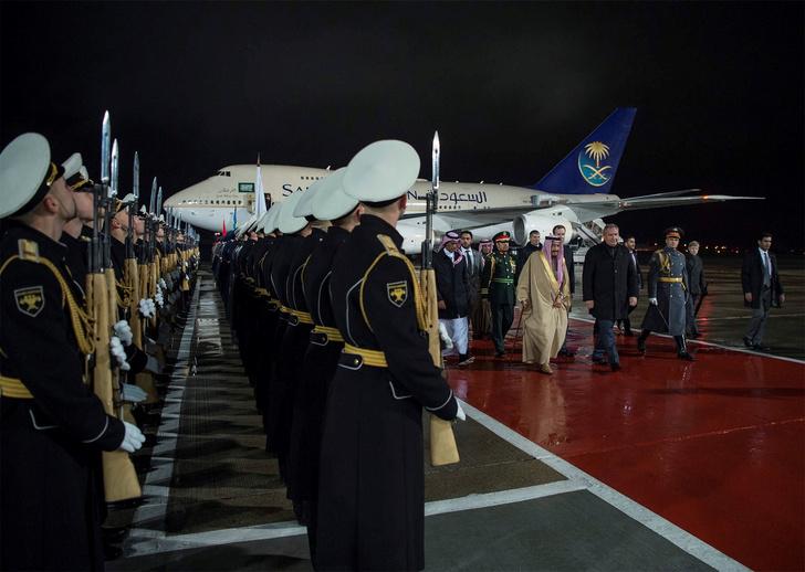 Король Саудовской Аравии прилетел с визитом в Москву фото [5]