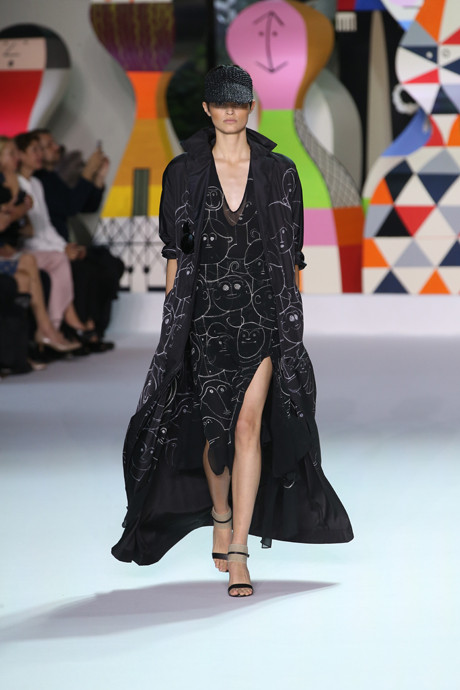 Akris выпустил коллекцию одежды по мотивам творчества Александра Жирара   галерея [1] фото [2]
