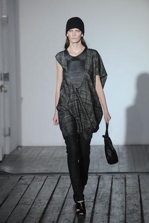 Показы мод Zero + Maria Cornejo Осень-зима 2010-2011 | Подиум на ELLE - Подиум - фото 2844