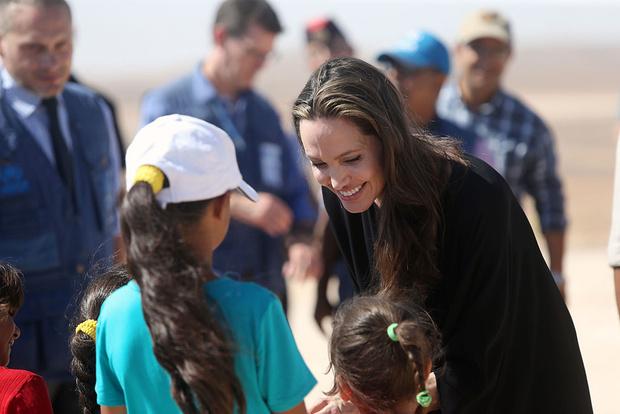Анджелина Джоли пожертвовала $ 1 млн благотворительному фонду No Kid Hungry (фото 1)