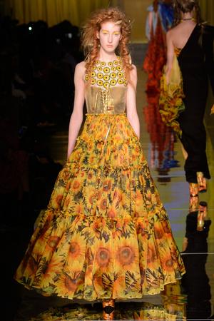 Показ Jean Paul Gaultier коллекции сезона Весна-лето  2017 года Haute couture - www.elle.ru - Подиум - фото 616785
