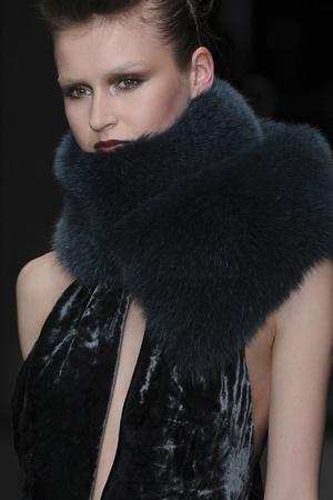 Показ Krizia коллекции сезона Осень-зима 2009-2010 года Prêt-à-porter - www.elle.ru - Подиум - фото 96123