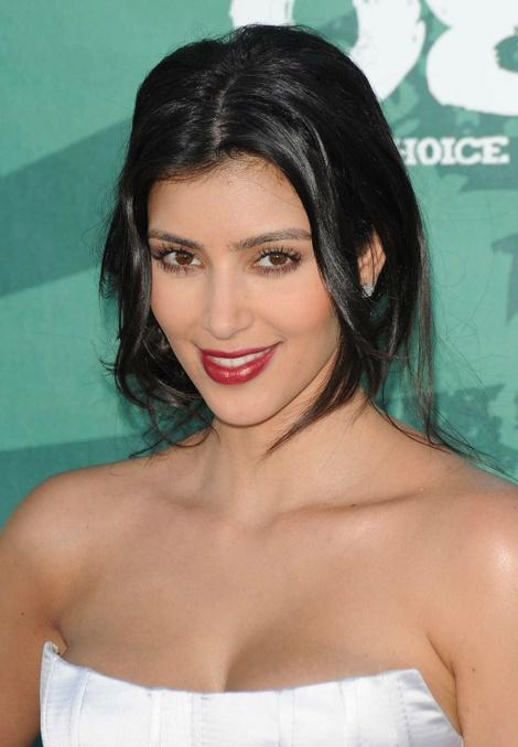 фото Ким Кардашьян Teen Choice Award фото