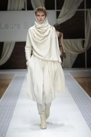 Показ Laura Biagiotti коллекции сезона Осень-зима 2010-2011 года Prêt-à-porter - www.elle.ru - Подиум - фото 153288