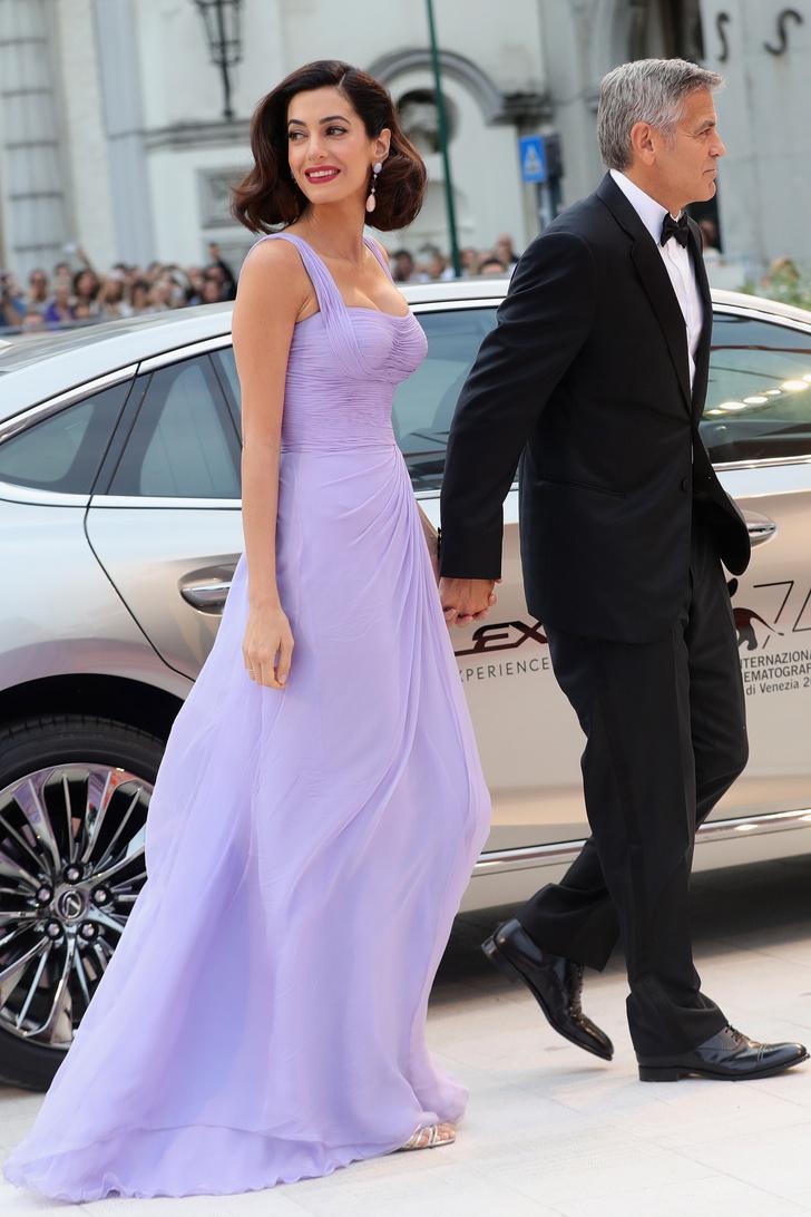 Амаль Клуни в Atelier Versace