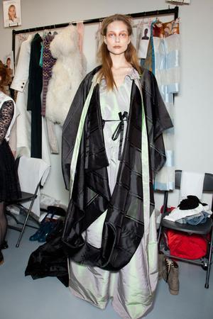 Показ Vivienne Westwood коллекции сезона Осень-зима 2012-2013 года Prêt-à-porter - www.elle.ru - Подиум - фото 380649