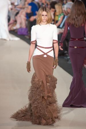 Показ Stephane Rolland коллекции сезона Осень-зима 2012-2013 года Haute couture - www.elle.ru - Подиум - фото 404093