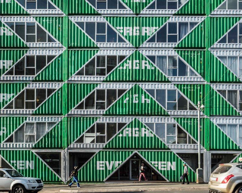 Дома из грузовых контейнеров: вдохновляющие примеры (галерея 2, фото 5)