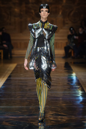 Показ Oscar Carvallo коллекции сезона Весна-лето 2014 года haute couture - www.elle.ru - Подиум - фото 574999