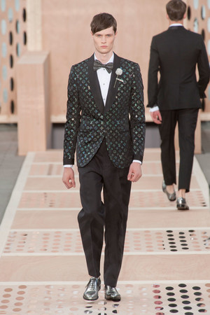 Показ Louis Vuitton коллекции сезона Весна-лето 2014 года Men prêt-à-porter - www.elle.ru - Подиум - фото 556989