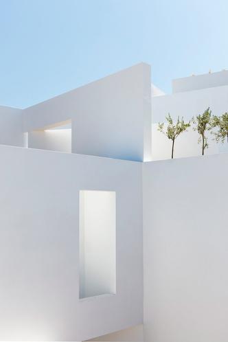 Белоснежная вилла на Санторини от Kapsimalis Architects (фото 2.1)