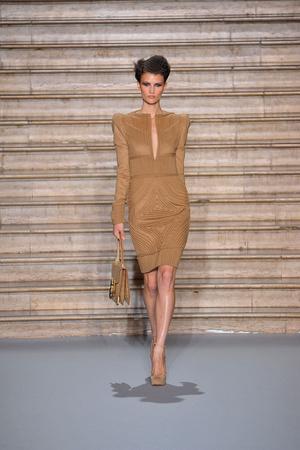 Показ Stephane Rolland коллекции сезона Осень-зима 2009-2010 года Haute couture - www.elle.ru - Подиум - фото 88334