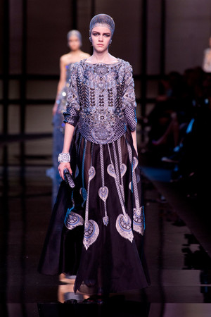 Показ Giorgio Armani Privé коллекции сезона Весна-лето 2014 года haute couture - www.elle.ru - Подиум - фото 574937
