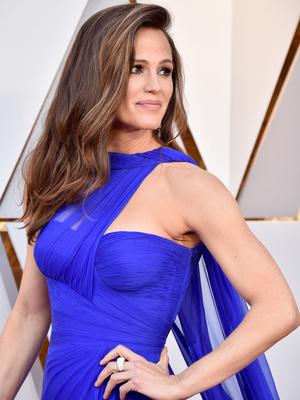 Роскошная Дженнифер Гарнер на красной дорожке «Оскара» (фото 4)