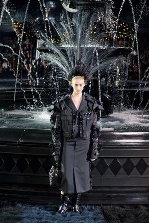 Показ Louis Vuitton коллекции сезона Весна-лето 2014 года Prêt-à-porter - www.elle.ru - Подиум - фото 572339