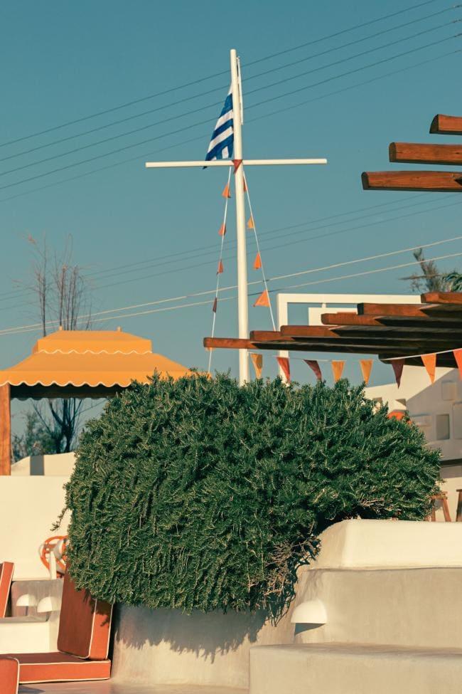 Охра и шафран: ресторан на Миконосе в ретро-гамме (галерея 8, фото 3)