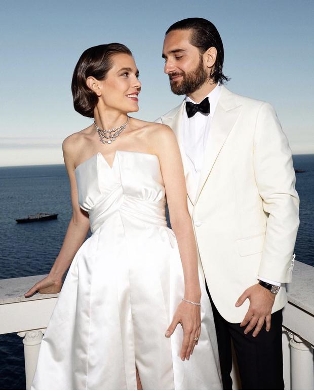 Второе сказочное свадебное платье Шарлотты Казираги и украшения Грейс Келли (фото 1)