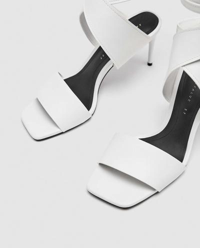 Белоснежные туфли — вещь, которую действительно нужно купить в этом сезоне (галерея 2, фото 0)