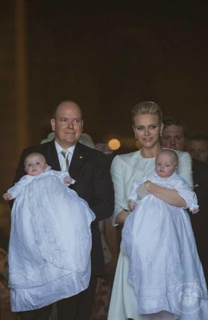 Фото дня: князь и княгиня Монако на крещении близнецов (фото 9)