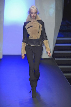 Показ CNC Costume National коллекции сезона Осень-зима 2010-2011 года prêt-à-porter - www.elle.ru - Подиум - фото 151211