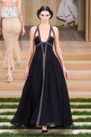 Показ Chanel коллекции сезона Весна-лето  2016 года haute couture - www.elle.ru - Подиум - фото 602761