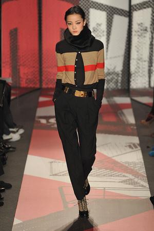 Показ DKNY коллекции сезона Осень-зима 2009-2010 года prêt-à-porter - www.elle.ru - Подиум - фото 89996