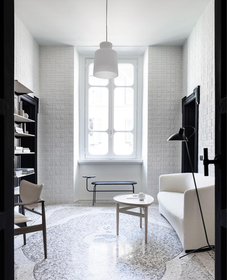 Темное царство: квартира в Милане (фото 16)