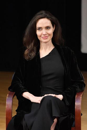 Лучший выход Анджелины Джоли после развода с Брэдом Питтом (фото 6)