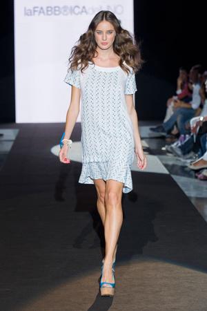 Показы мод La Fabbrica del Lino Весна-лето 2013 | Подиум на ELLE - Подиум - фото 1083