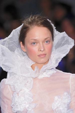 Показ Christophe Josse коллекции сезона Осень-зима 2009-2010 года Haute couture - www.elle.ru - Подиум - фото 87436
