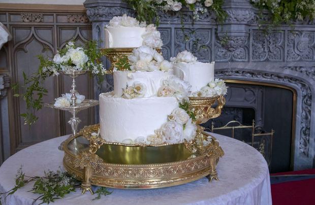 Лимонный шедевр: рецепт свадебного торта принца Гарри и Меган Маркл (фото 1)